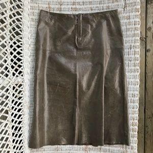 🆕 {Banana Republic} Vtg 💯Leather Raw-Edge Skirt